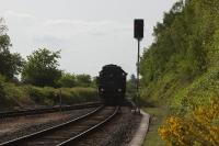 Historische Bahn fährt durch Wilhelmsdorf